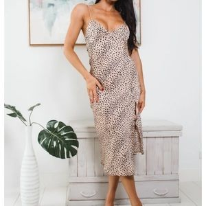 Anthena midi dress